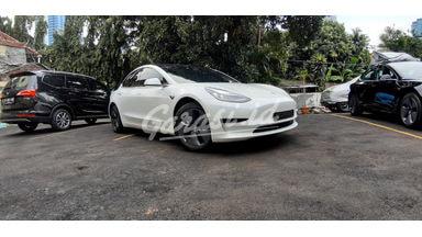 2020 Tesla Model S Standard Plus