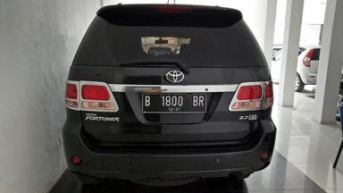 2006 Toyota Fortuner G luxury - Kondisi terawat, siap pakai. (s-4)