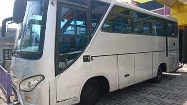 2009 Isuzu Elf Minibus BUS 30 SEAT - Kondisi Ciamik