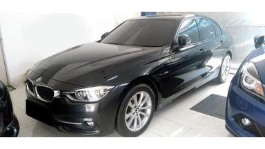 2016 BMW 320i Sport LCI - Mobil Pilihan