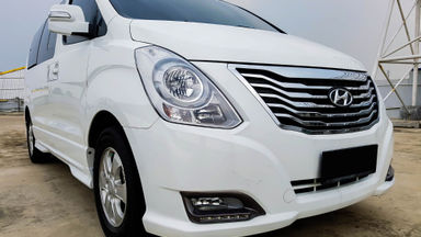 2015 Hyundai H-1 Elegance - Mobil Pilihan (s-0)