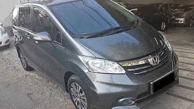2014 Honda Freed E - Mobil Pilihan