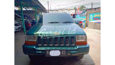 2002 Jeep Grand Cherokee 4X4 - Siap Pakai