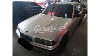 1999 BMW 318i mt - SIAP PAKAI!
