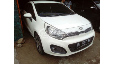 2013 KIA Rio mt - Good Condition