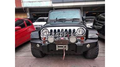 2011 Jeep Wrangler RUBICON - Siap Pakai Dan Mulus