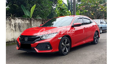 2018 Honda Civic Hatchback - Mobil Pilihan