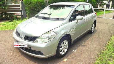 2007 Nissan Latio hatchback