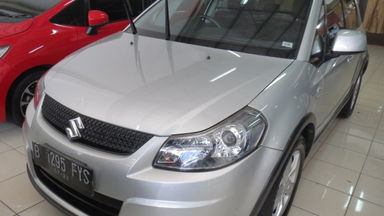 2010 Suzuki Sx4 x over - Barang Mulus dan Harga Istimewa