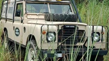 1977 Land Rover Defender long seri 3 - Terawat Istimewa