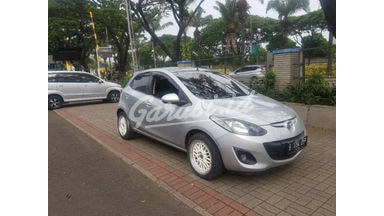 2013 Mazda 2 V - Siap Pakai