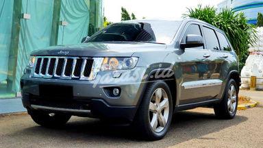 2011 Jeep Grand Cherokee overland - siap pakai