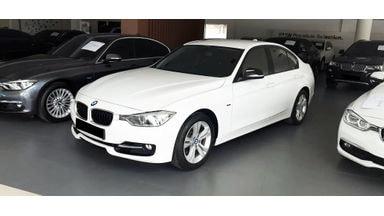 2013 BMW 320i Sport - Mobil Pilihan