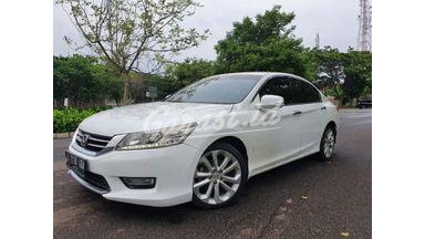 2013 Honda Accord Facelift - Bisa Nego Simulasi Kredit Tersedia data di bantu