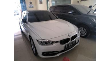 2016 BMW 320i at - Siap Pakai