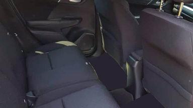 2017 Honda Jazz RS - Mobil Pilihan (s-5)