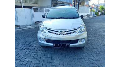 2012 Daihatsu Xenia X