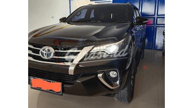 2016 Toyota Fortuner VRZ 2.4 AT - Pajak Panjang