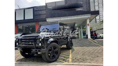 2015 Land Rover Defender Hardtop 2.2 - Mobil Pilihan