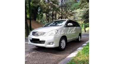 2010 Toyota Kijang Innova V - Good Contition Like New Full Perawatan