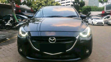 2015 Mazda 2 GT - Mobil Pilihan (s-1)