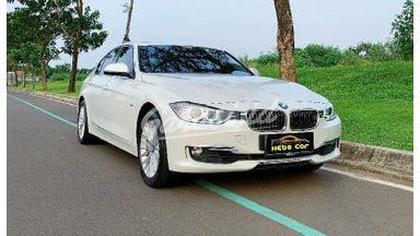 2015 BMW 3 Series 320i Luxury