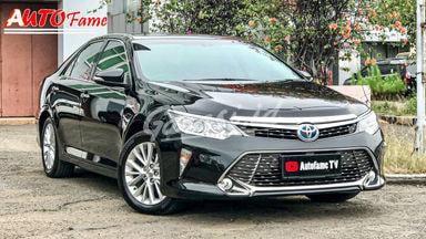 2015 Toyota Camry Hybrid 2.5 Rear Seat