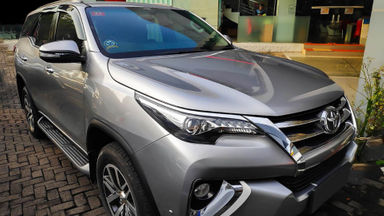 2016 Toyota Fortuner VRZ 2.4 AT - Mobil Pilihan (s-2)