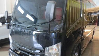 2018 Isuzu Elf Minibus long - Harga Bersahabat