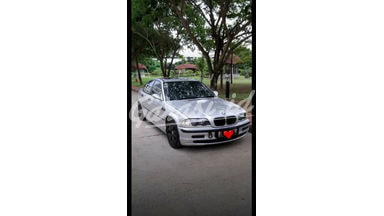 2000 BMW 3 Series 318i