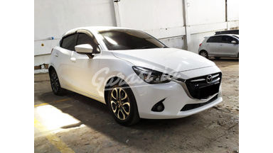 2016 Mazda 2 GT - Mobil Pilihan