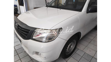 2013 Toyota Hilux mt - Barang Istimewa