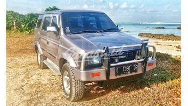 1997 Isuzu Panther Sporty