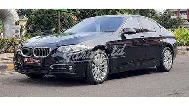 2015 BMW 5 Series 528i Luxury - Mobil Pilihan