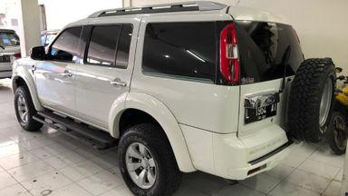 2010 Ford New Everest 2.5 L XLT - istimewa putih (s-4)