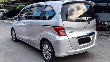 2014 Honda Freed PSD - Mobil Pilihan (s-2)