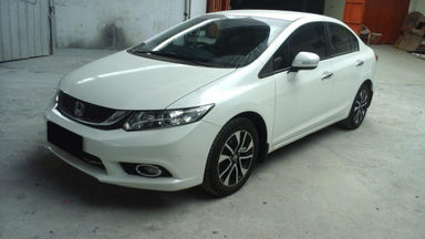 2015 Honda Civic I-VTEC - Mobil Pilihan