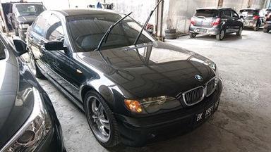 2010 BMW 3 Series 318i - Langsung Tancap Gas