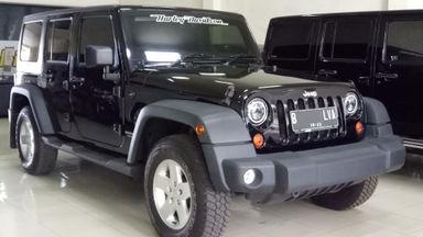 2011 Jeep Wrangler Unlimited - Hitam Tangan Pertama