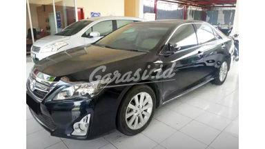 2014 Toyota Camry Hybrid AT - Mobil Pilihan