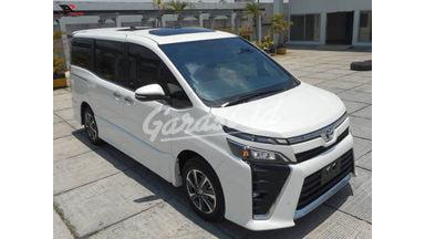 2019 Toyota Voxy 2.0 - Mobil Pilihan