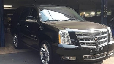 2013 Cadillac Escalade Platinum - Istimewa