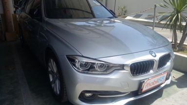2016 BMW 3 Series 320i - Warna Favorit, Harga Terjangkau
