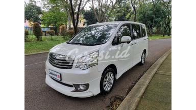 2015 Toyota Nav1 v limited
