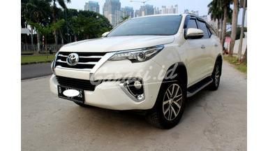 2016 Toyota Fortuner VRZ - pemakaian yang rapi dan terawat