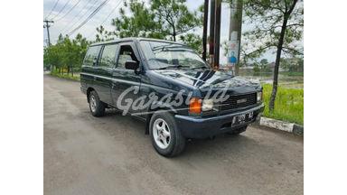 1995 Isuzu Panther Deluxe