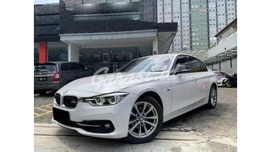 2015 BMW 320i AT - Mobil Pilihan