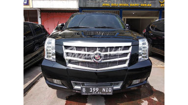 2011 Cadillac Escalade 6.2 at - Nyaman Terawat