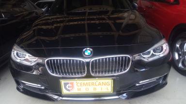 2015 BMW 3 Series 320i - Istimewa Siap Pakai