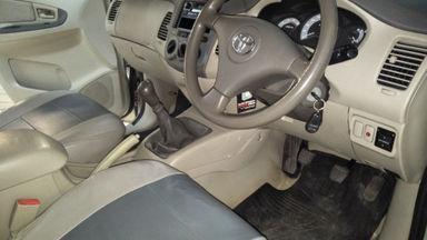 2011 Toyota Kijang Innova E+ - Barang Bagus Siap Pakai (s-2)